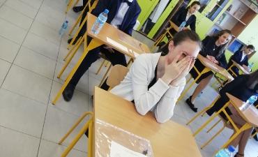 2019_04_egzamin_8_15
